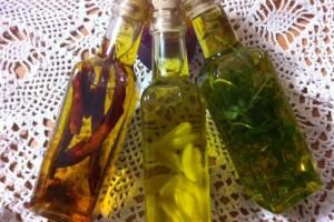 שמנים עם עשבי תיבול:  שמן זית עם טעמים טעימים